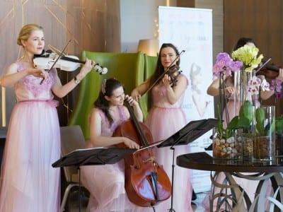 музыка на свадебной выставке